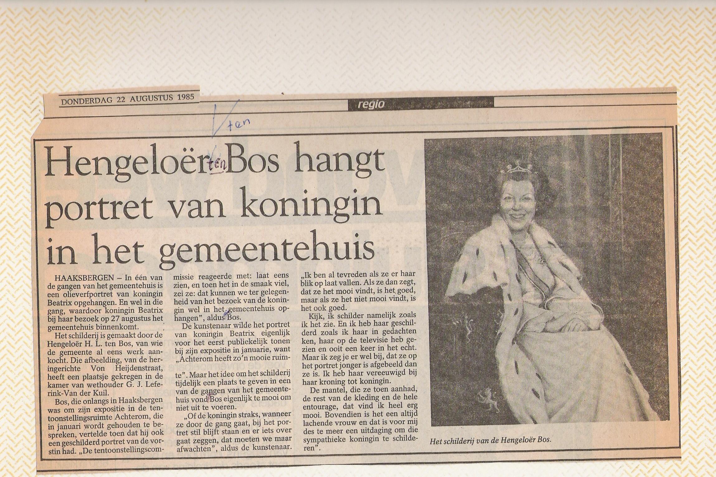 Portret van Beatrix in gemeentehuis
